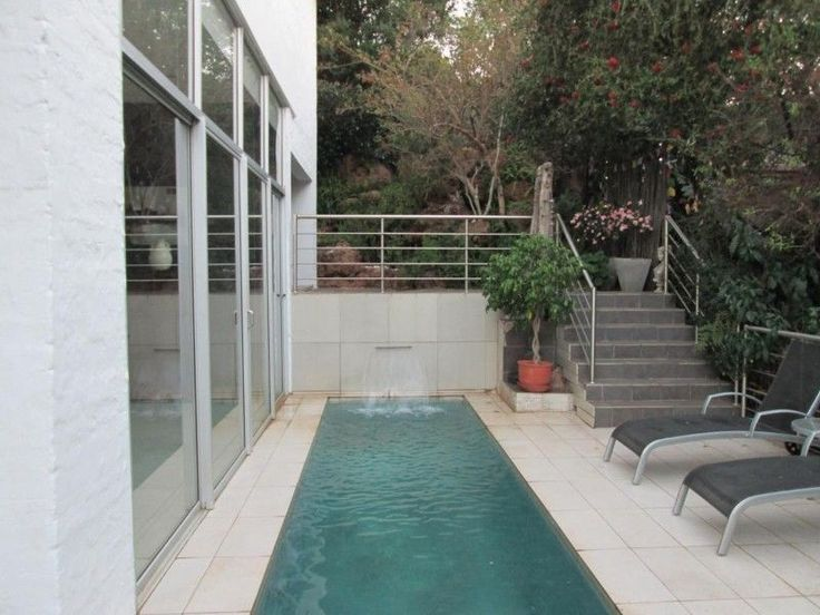 3 Bedroomhouse for sale in Val De GraceDESIGNED WITH DISTINCTION.R2,745,000Approximately400 sq m lock up and go with large entertainment areas. Enjoy a sundowner nextto the sparkling pool. Master bedroom fit for a queen. In a 24 hour securityarea. Excellent finishes.ERFSize: 618sqmBuilding Size: 384sqmQuick Find: 587221Property Features·2Bathrooms·3Bedrooms·1Entrance·2Garages·4Parking Spaces·3Reception Areas·Built-In Braai, ...