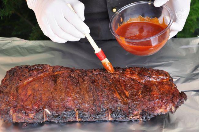 La salsa barbecue al Jack Daniel's Whiskey è una delle innumerevoli ricette di salse barbecue che è possibile trovare in America: una salsa molto dolce ma allo stesso tempo con elevata acidità e piccantezza.