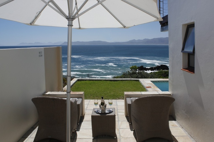 Sea view patio - perfect for whale watching