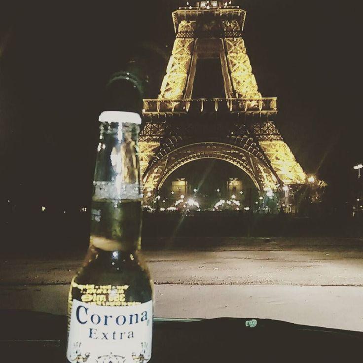 "ca_mill: ""#eiffeltower #paris #france #citylife #corona #bier #biere #apero #night #trocadero #champselysees #moment #insta #instaparis #photographie #cityview #toureiffel #coronabeer #bestmoment"""