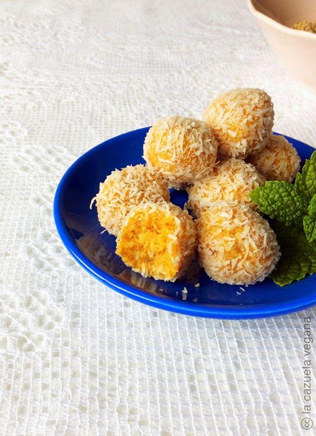 Bolitas crudiveganas de zanahoria y coco. Raw food.