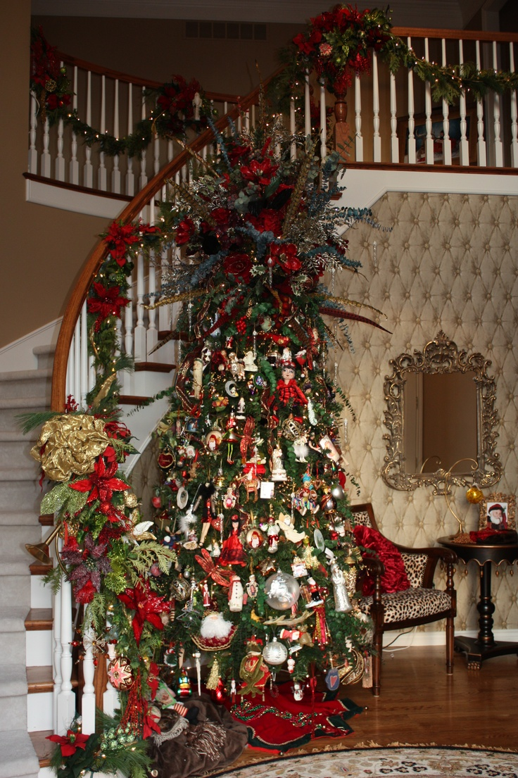 17 best images about christmas decor on pinterest for Foyer christmas decorating ideas
