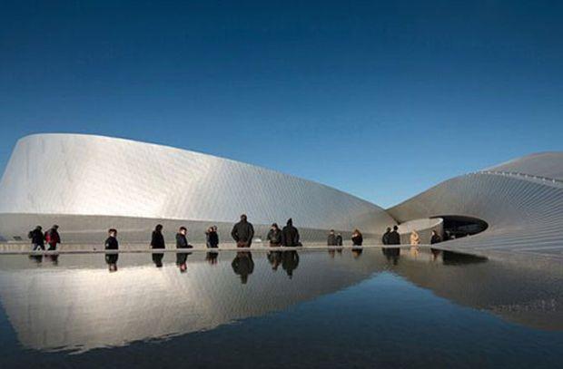 """En la categoría de """"Exhibición"""", el ganador es de los arquitectos daneses 3XN por el acuario Blue Planet en Dinamarca."""