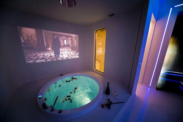 EMMA SCOLARI  Senses Room - Dealuna Motel, Fidenza, Italy - bathroom