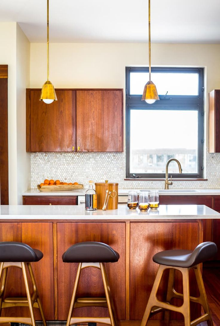 A Swinging '70s-Inspired Home in Maine