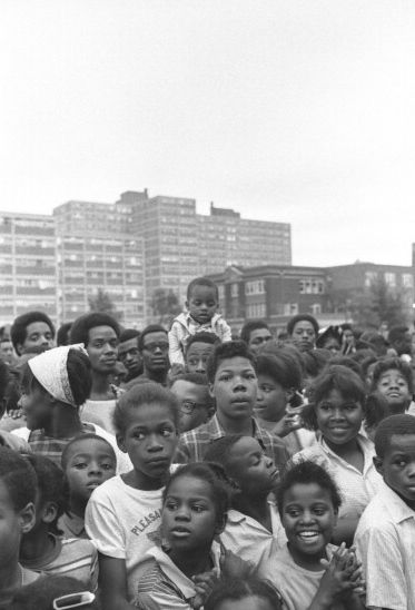 Chicago: Cabrini-Green concert (1968 or 1969)   Photography by Robert Sengstacke
