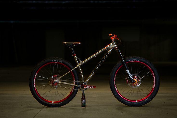 View Vital MTB member Sixes Pit's mountain bike check 'Colossus'.