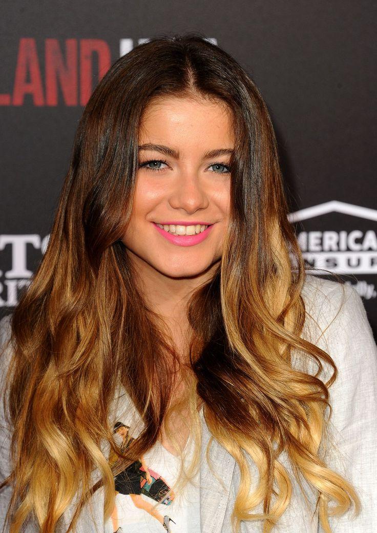 Sofia Reyes attend the Disney's 'McFarland, USA' Premiere - http://celebs-life.com/?p=84179