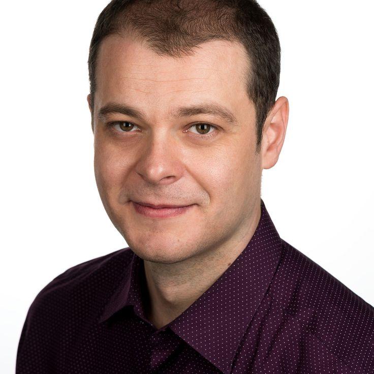 Flaviu Paul Buciuman - IT Engineer - headshot, business portrait