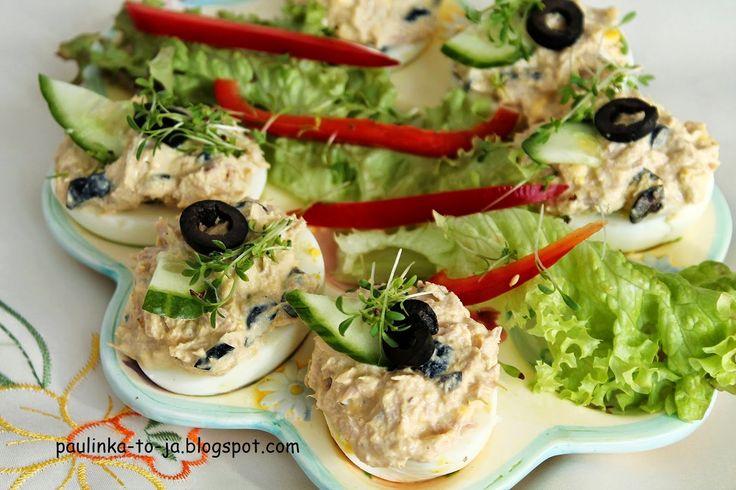Smak mojej kuchni...: Jajka faszerowane tuńczykiem i oliwkami