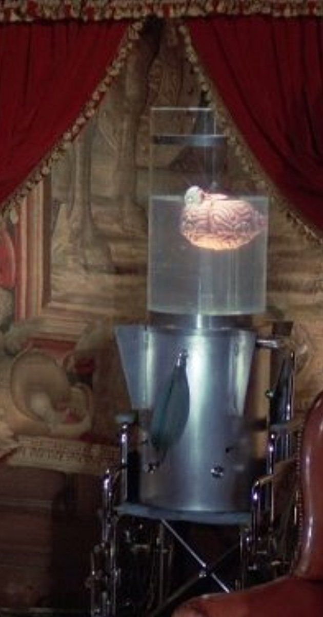 Directed by Gordon Hessler.  With Lynda Carter, Lyle Waggoner, Floyd Levine, Cathie Shirriff. The living brain of a dead billionaire seeks to have itself transplanted into the perfect physical specimen.
