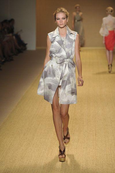 Monique Lhuillier at New York Fashion Week Spring 2009 - Runway Photos
