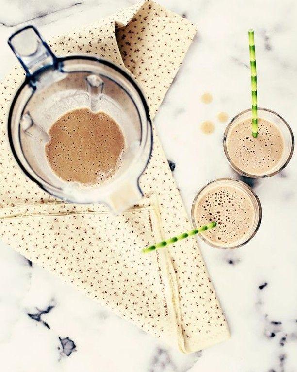 Smoothie aux patates douces pourquoi pas? Ça goûte comme un milkshake à la tarte à la citrouille (et cest sans sucre)! #smoothie #mapple #siropderable #milkshake #sweetpotatoe #homemade #breakfast #fraichementpresse