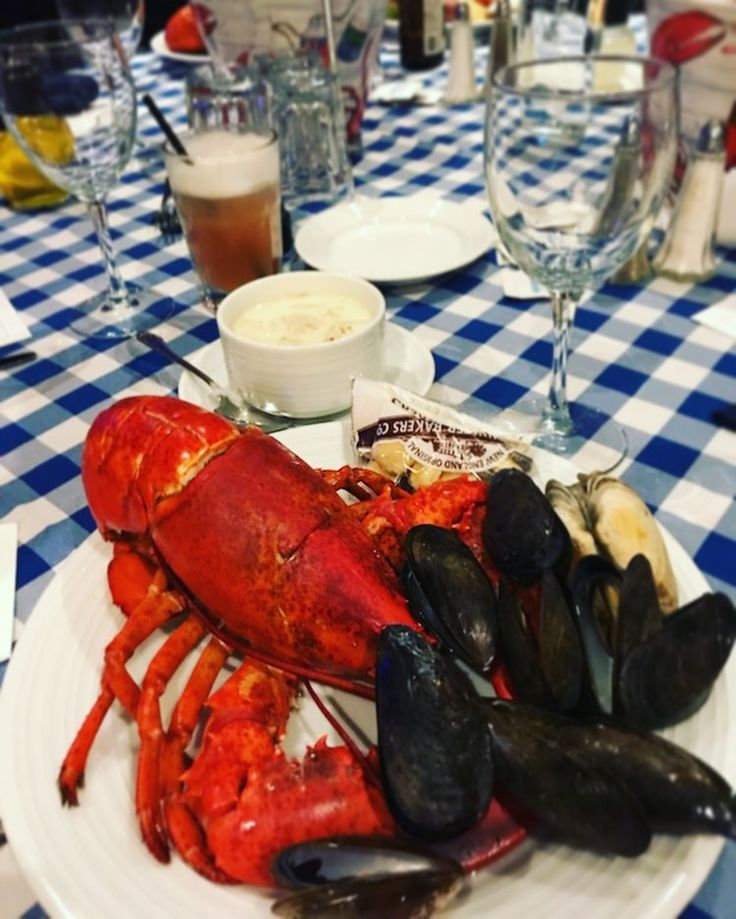 Soon winter will be over and itll be clam bakes and lobster for all #clambake #summer #sun #fun #winterblues #lobster #crab #tradition #seafood #party #foodie #htx #houston #instafood #foodpham #yougonnaeatthat