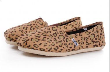 TOMS shoes outlet!