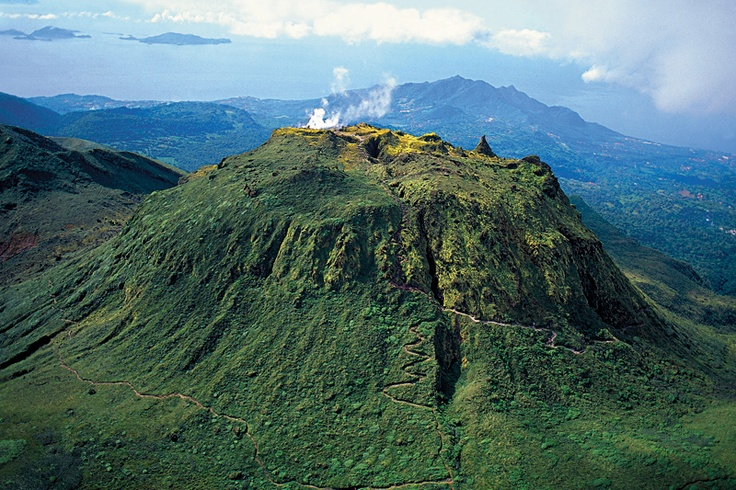 La Soufrière, la cima più alta delle Antille, i 1467 metri (foto: Ente del Turismo Guadalupa)