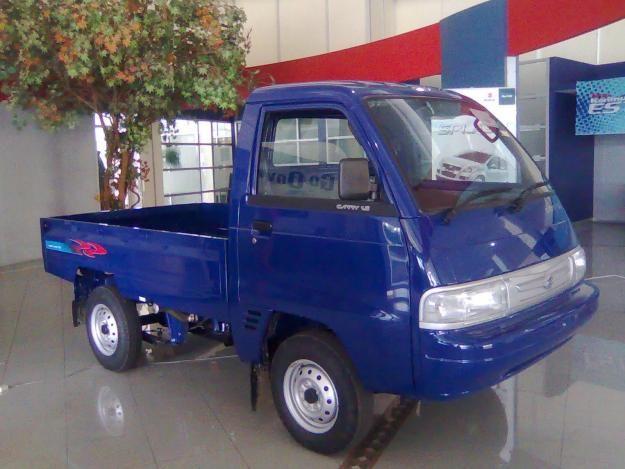 SUZUKI BANDUNG FEATURES DAN SPESIFIKASI Carry PU kendaraan niaga dengan model pick-up telah teruji lebih dari 20 tahun. Dalam rentang waktu tersebut