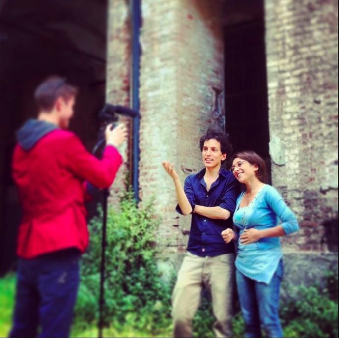 VideoTALES: La video intervista al duo Maniaci D'Amore. La giovane compagnia teatrale sarà in scena l'11 il 12 e il 13 giugno presso la Cavallerizza Reale di Torino con lo spettacolo Biografia della Peste. http://www.youtube.com/watch?v=AbDBY8SUZ0Q