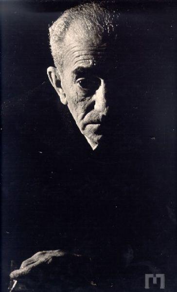 Almada Negreiros, 1960 (fotografia de estúdio, Mário Novais)
