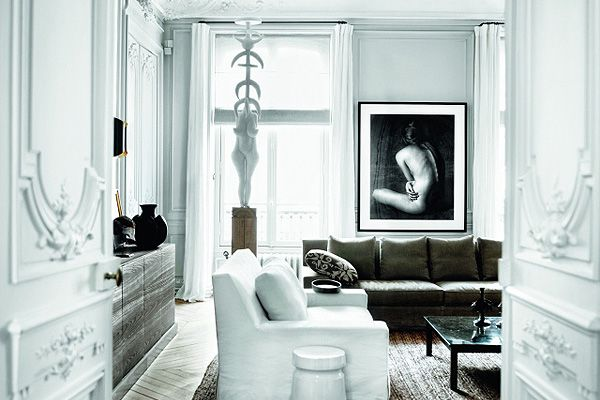 Parisian apartment of the two designers Gilles & Boissier has unique and complex mix of classic and contemporary elements - it's designers' personal style. They like interiors in which you see ...