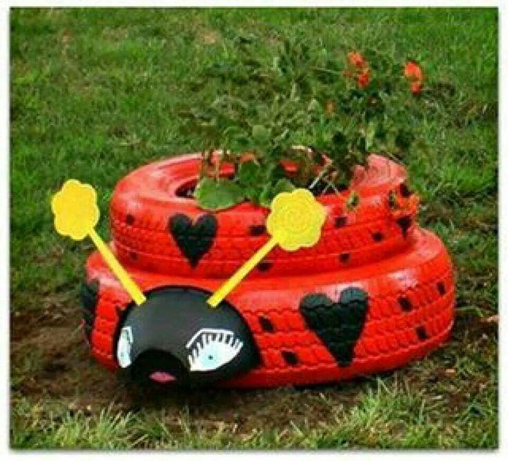 Llantas pintadas y decoradas para el jardin jardineras - Jardineras con ruedas ...