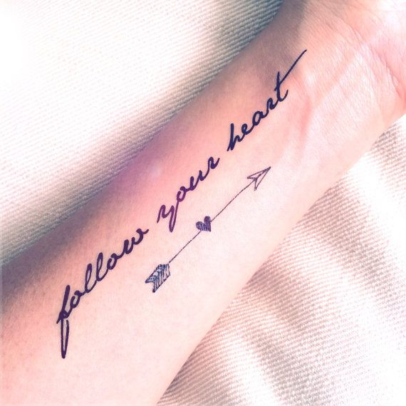 2pcs Follow your heart citation et flèche tatouage par InknArt