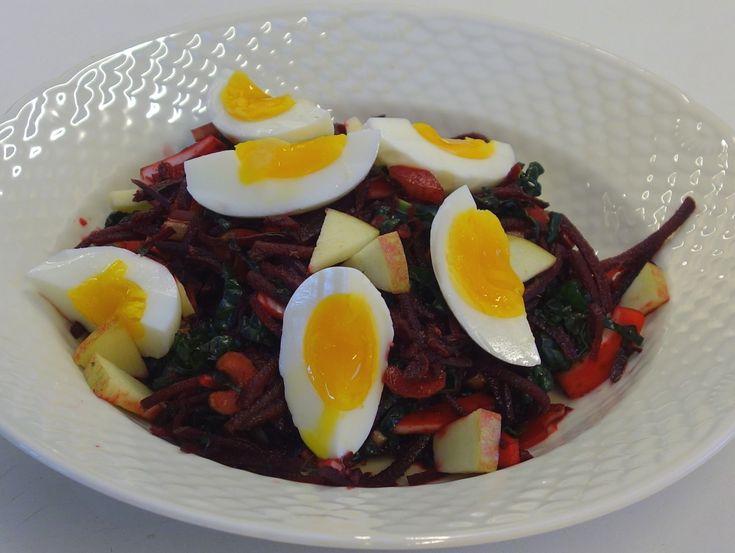 Solosalat med rødbede og palmekål