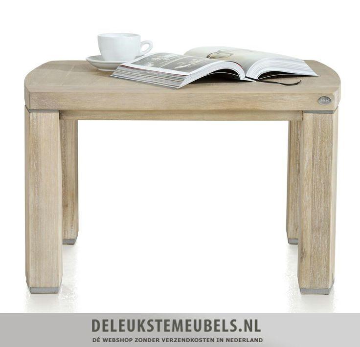 Deze mooie hoektafel Buckley van het merk Henders & Hazel heeft een licht ovale vorm. Ook erg leuk om te gebruiken als salontafel door er twee naast elkaar te zetten! De metalen accenten in de poten maken dit hoektafeltje net even iets anders.  http://www.deleukstemeubels.nl/nl/buckley-hoektafel/g6/p34/