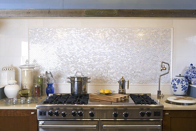 Arctic 0 5 X 1 Seashell Mosaic Tile In White Mother Of Pearl Backsplash Pearl Backsplash Shell Tile Backsplash