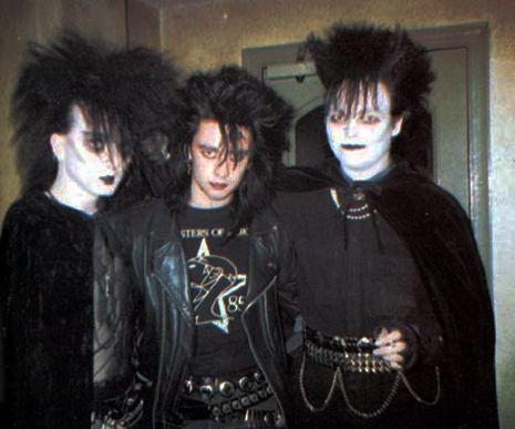 '80s Flashback: Goths Dance Goth-ily at a Goth Club