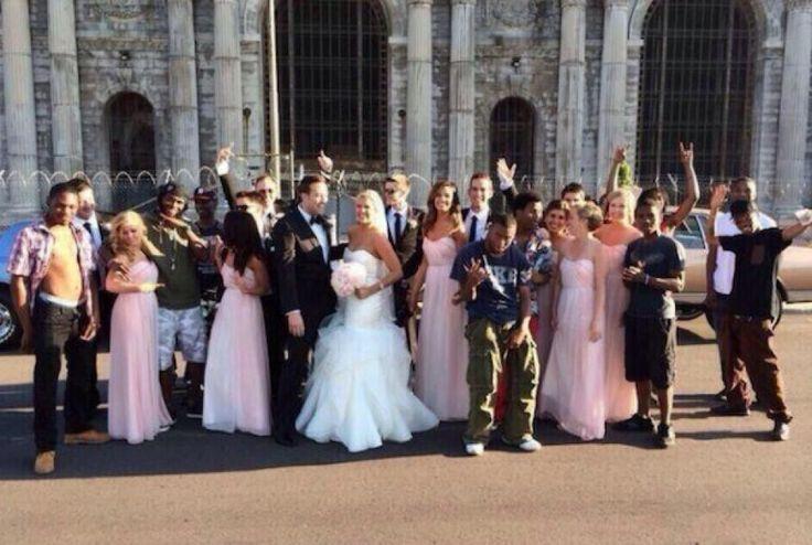 De cómo un SMS equivocado convirtió la foto de una boda en un viral en internet - Noticias de Tecnología
