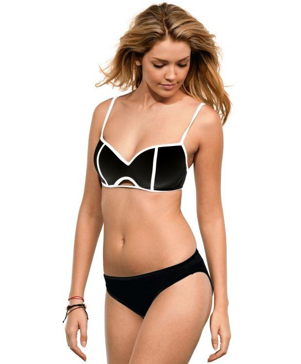 Redhill Pushup bikini Redhill spilebikini med lett polstret overdel og tai bukse med normal skjæring. Toppen har spiler, justerbare stropper og lukning i ryggen. Vask 30ºC. Overdelen leveres med sort overdel med hvite detaljer og ensfarget sort bukse