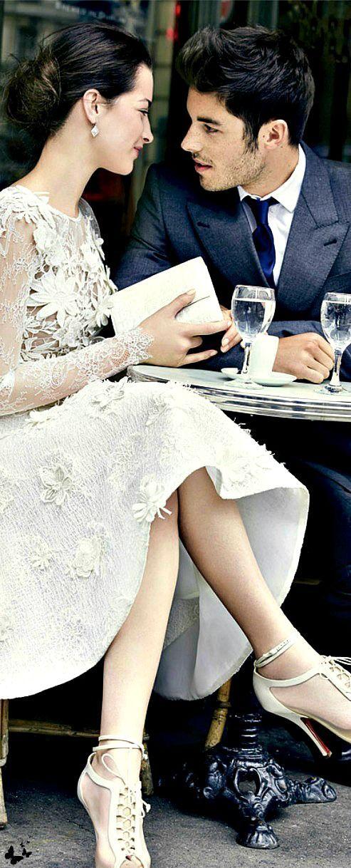 Valentijnsdate? Maak je outfit af met mooie sieraden! Of laat ruimte voor een cadeau in je oor, aan je arm of vinger ...