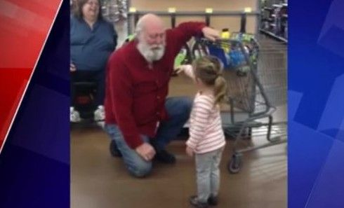 Viral video of little girl who finds Santa shopping at Wal-Mart will melt your heart