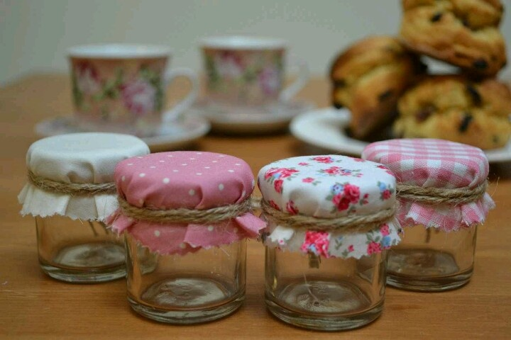 Shabby chic party favor jars