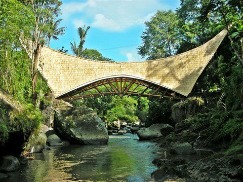 Beautiful Bridge in Bali Constructed Entirely With Bamboo In Four Months (Video) : TreeHugger
