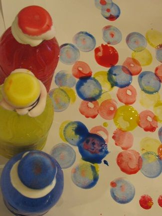 make your own dot daubers with small water bottles, makeup sponges and rubber bands~Paint Ideas, Dots Dabber, Sponge Paint Preschool Art, Rubber Bands, Bingo Dabber Activities, Small Water, Makeup Sponge, Water Bottles, Homemade Paint
