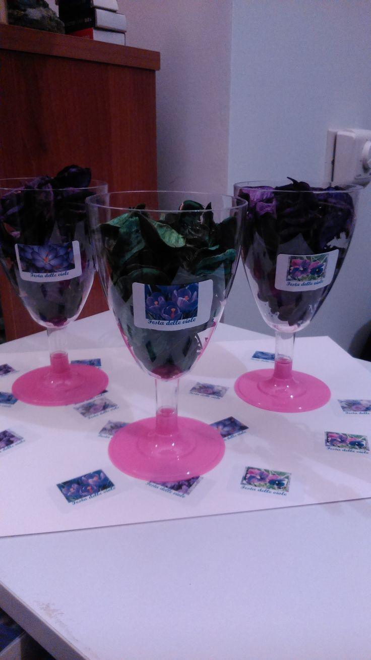 Creare decorazioni carine per la tua festa con le etichette Tico è facile. http://www.etichettetico.it/prodotti_copylaserpremium_bianche100fogli.php