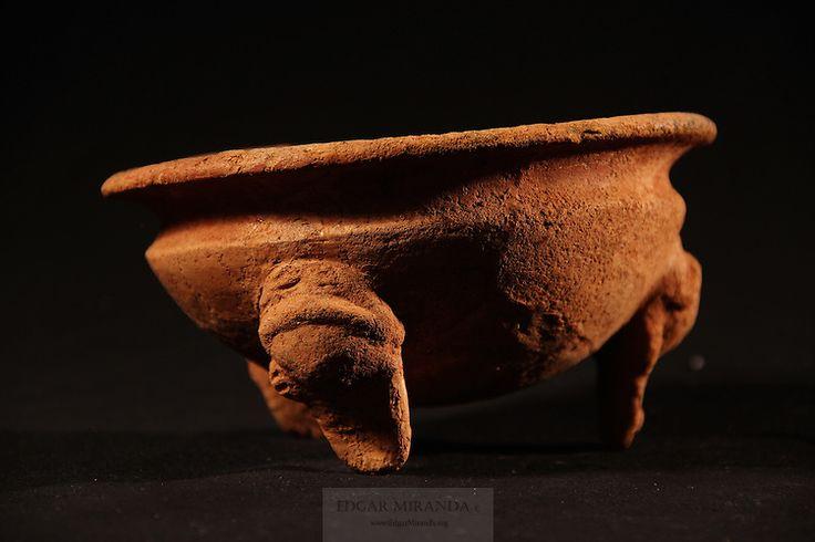 Tripode, con diseños no claros, cultura Gran Chiriqui, museo de Gualaca | Edgar Miranda