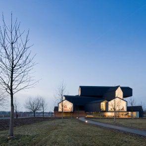 VitraHaus - Exterior/Landscape/Walkway