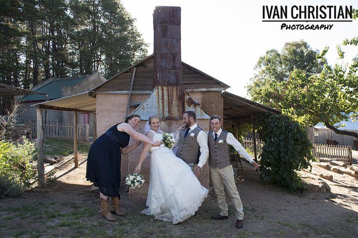 Kassandra, Matt and the bridal party having a good laugh - Ivan Christian Photography
