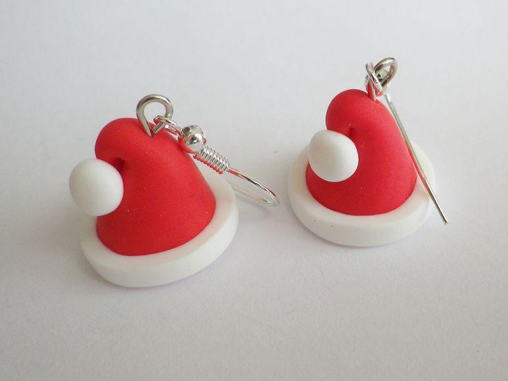 bonnet du pere noel boucles d oreille paire rouge blanc chapeau fimo : Boucles d'oreille par fimo-relie