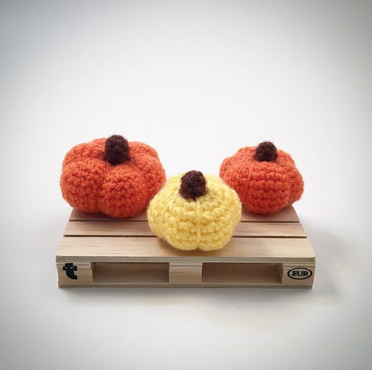 Mini Pumpkins Crochet Amigurumi Plush @lemonyarncreations