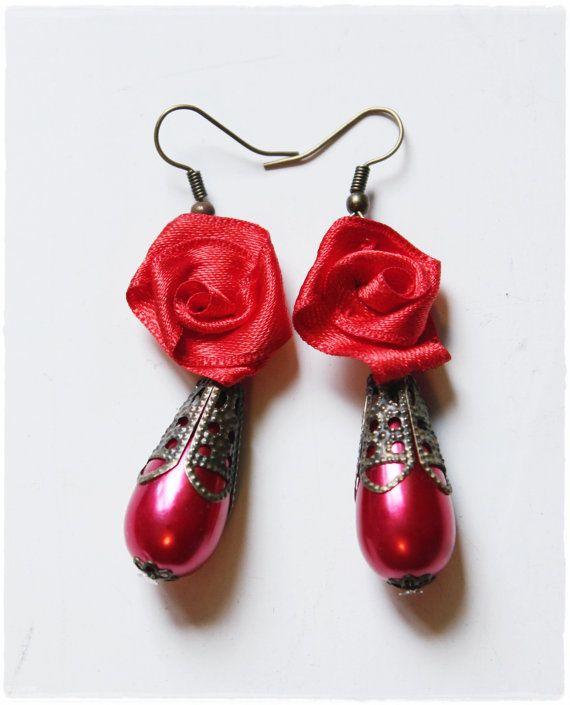 Drop pearl earrings in metal filigree with flower satin . Flamenco Style