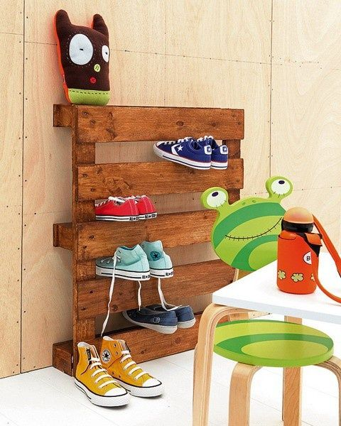 Wooden Pallet Shoe rack!For Kids, Kids Shoes, Kids Room, Wooden Pallets, Shoes Storage, Shoe Racks, Old Pallets, Storage Ideas, Shoes Racks