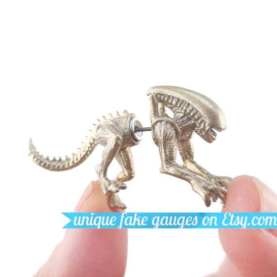 3D réaliste Xenomorph Alien vs Predator AVP en forme Animal calibre faux Plug boucle d'oreille en or pailleté | Unique oreille Faux Piercings