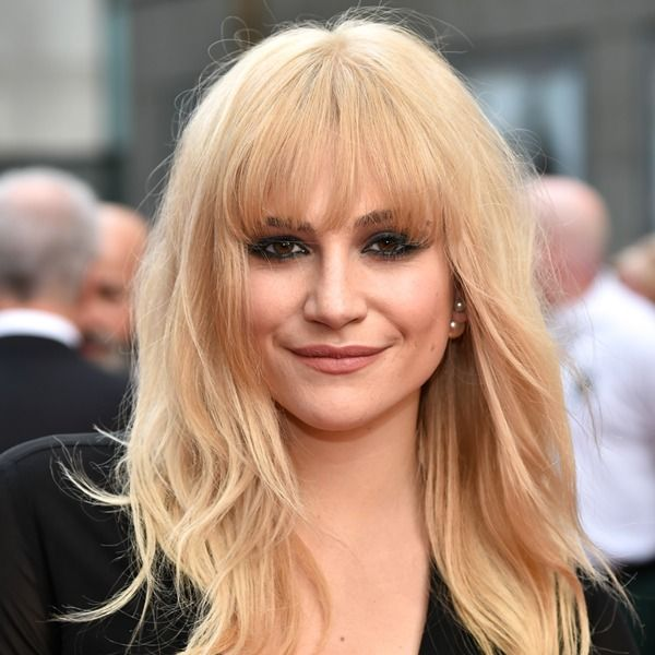 Pixie Lott's new fringe is so flattering & the perfect update for spring http://bit.ly/olivier-awards #PixieLott #fringe #hair #celebrityhair