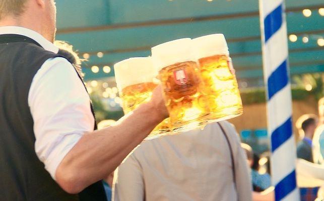 No nació en Alemania, no siempre ha servido como bebida de ocio y algunos de sus vestigios más antiguos están en España: adivina en qué pro...