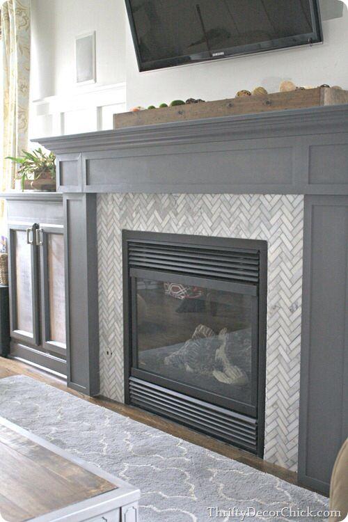 this is a great tiling tutorial isnu0027t the marble herringbone design amazing i love this herringbone tile