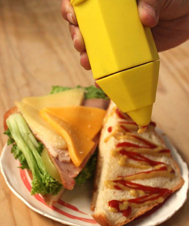Michezo - Set de salseros en forma de lápiz, rojo (Ketchup) y Amarillo (Mostaza), Dibuja sobre tu comida. $39.000 COP. Cómpralos aquí--> https://www.dekosas.com/productos/hogar-cocina-dekosas-mulikka-salseros-michezo-detalle